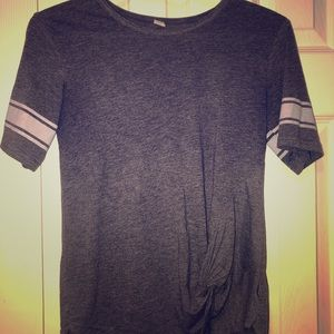 Ripzone tee w/knot in front